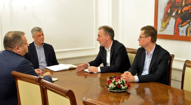 Thaçi shprehet i kënaqur me prezantimin e ekipit negociator në Bruksel