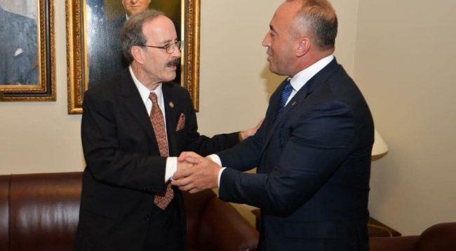 Haradinaj i gëzohet postit që Engel mori në Kongresin amerikan