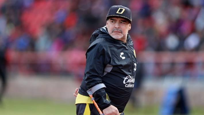 Maradona qetëson fansat: Jam mirë, nuk kam asgjë!
