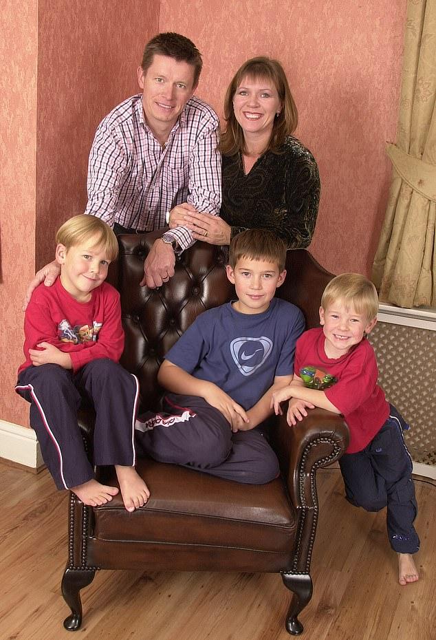 Milionieri 55-vjeçar zbulon se tre djemtë nuk janë të tijët