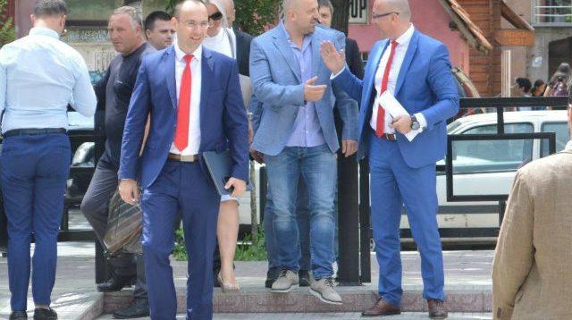 Protesta kundër Vuçiqit – Trajkoviç: Vuçiq ekstradoje Radoiçiqin në Kosovë