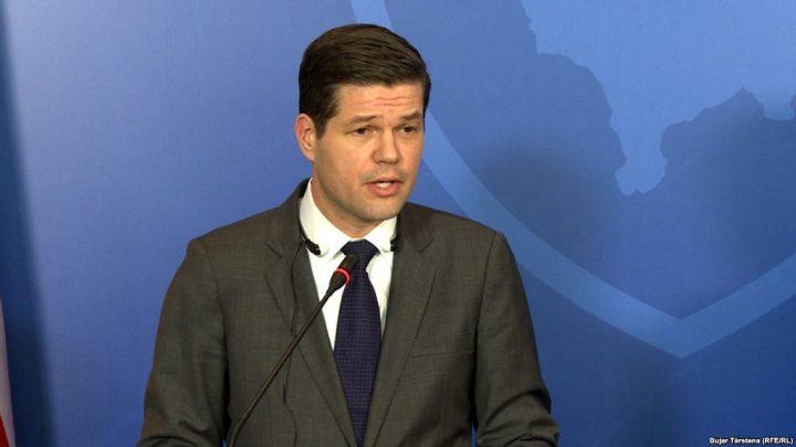 Dorëhiqet ndihmëssekretari amerikan i Shtetit për Europën, Wess Mitchell