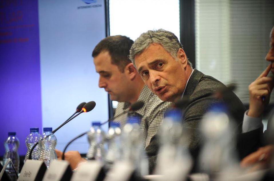 Lumezi: Tribunali për krimet serbe në Kosovë, vështirë se do të formohet
