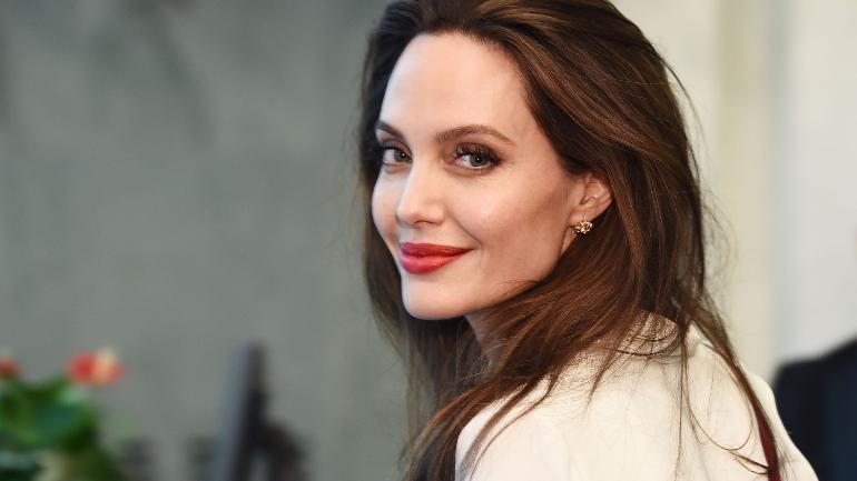U spekulua se po e braktis aktrimin, Angelina Jolie në një film të ri