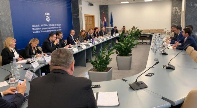 Shala i fton kompanitë kroate të investojnë në Kosovë