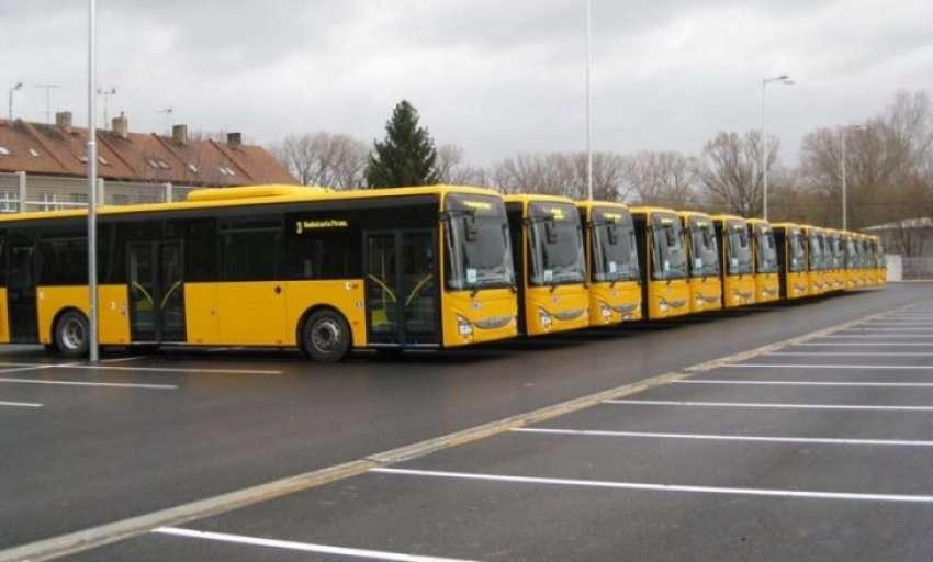 """Transportuesit ndërurban në hall me """"lejet e reja"""" (VIDEO)"""
