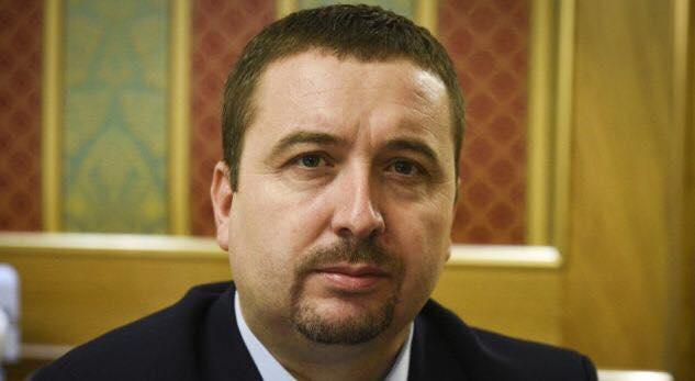 Profesor Blerim Latifi i del në mbrojtje Naim Abazit në rastin e Halil Kastratit