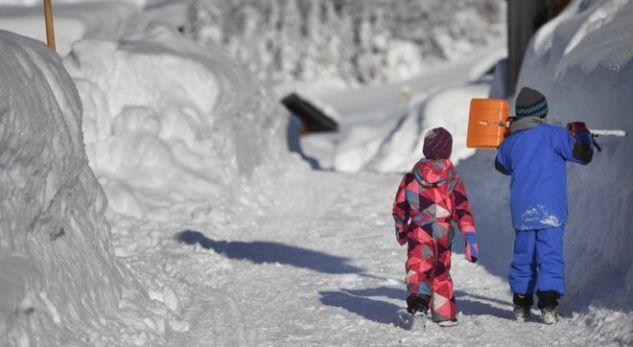 Bora e madhe bllokon disa pjesë të Evropës