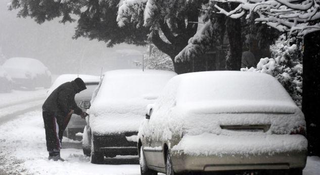 Borë dhe acar në Evropë, të ftohtët i merr jetën disa personave