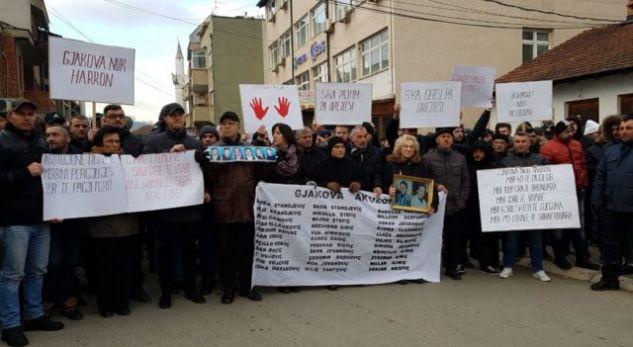 """""""Jemi kundër kriminelëve që nën petkun e pelegrinëve vijnë në Gjakovë"""""""