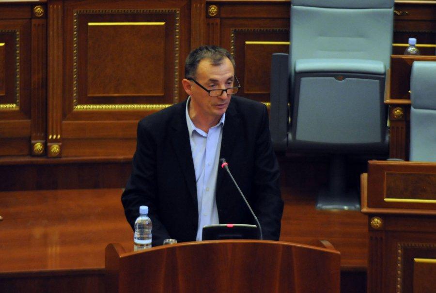 Rasim Selmanaj jep dorëheqje nga AAK