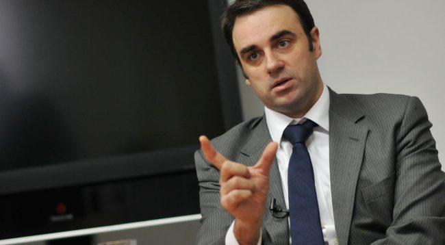 O'Connelli i bashkohet dhimbjes së popullit të Kosovës për masakrën e Reçakut