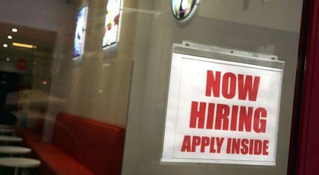 Në SHBA po hapen më shumë vende pune sesa numri i të papunëve