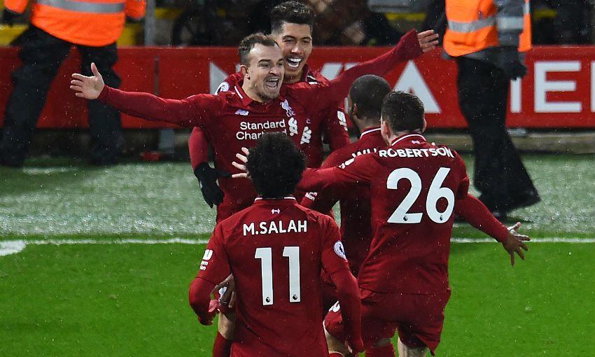 Ylli i Liverpoolit e vazhdon kontratën me klubin
