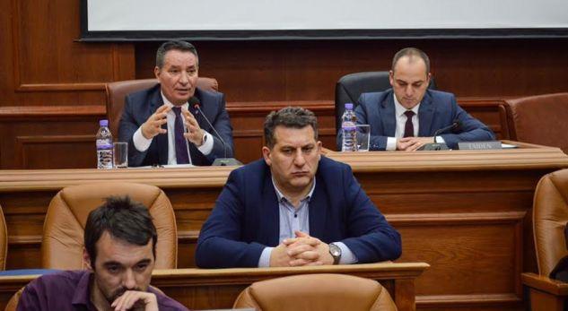 Lekaj thotë këto fjalë në dëgjim publik me qytetarët e Prizrenit