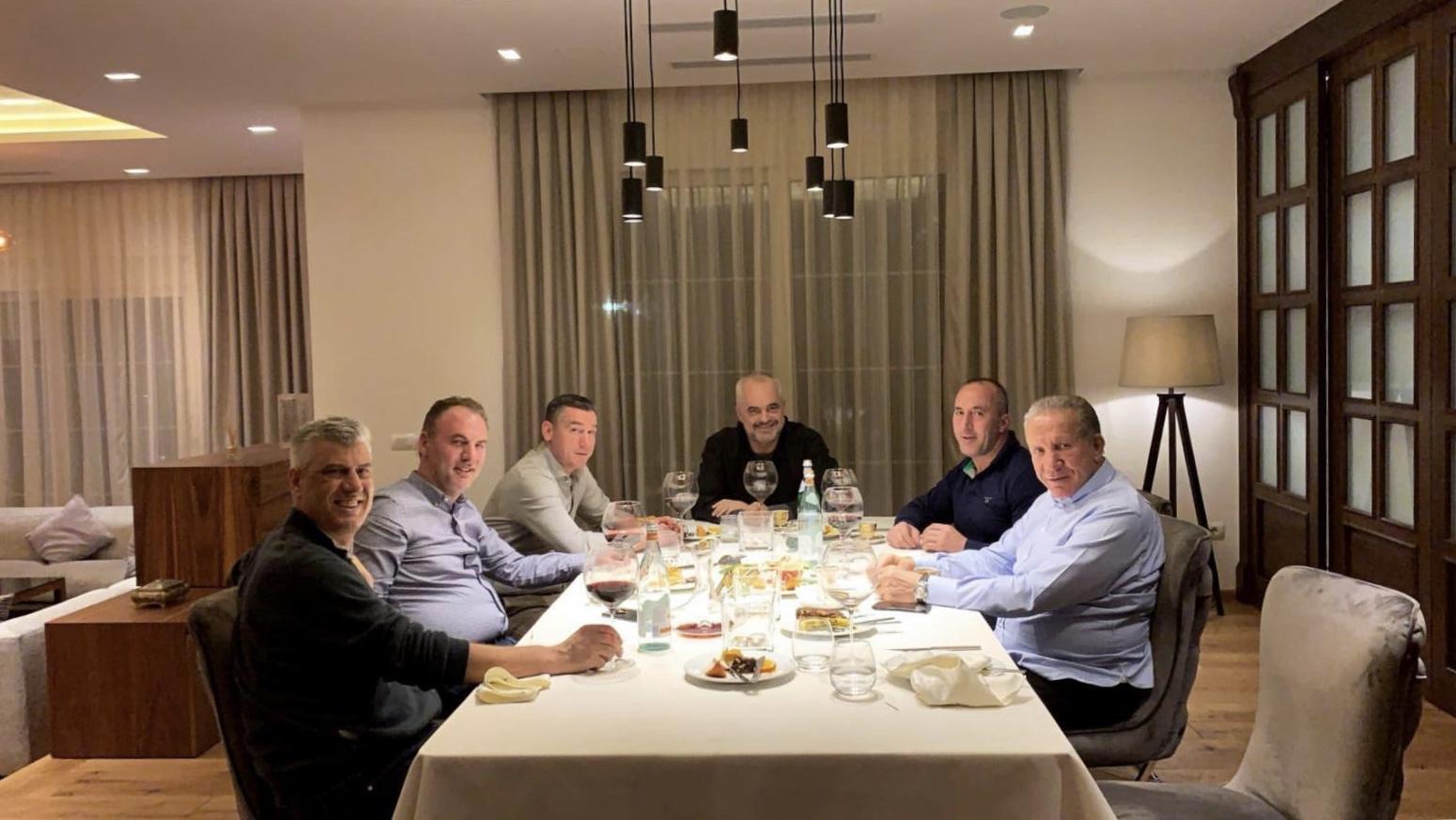 Veseli tregon arsyet e takimit të mbrëmshëm me liderë