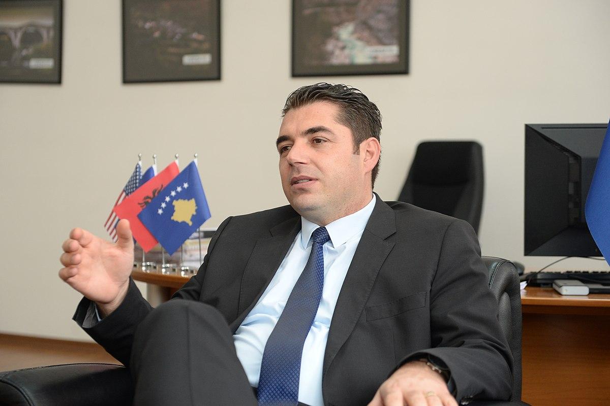 Hasani: Nuk lejohet të bëhet pazare me pasurit e Kosovës