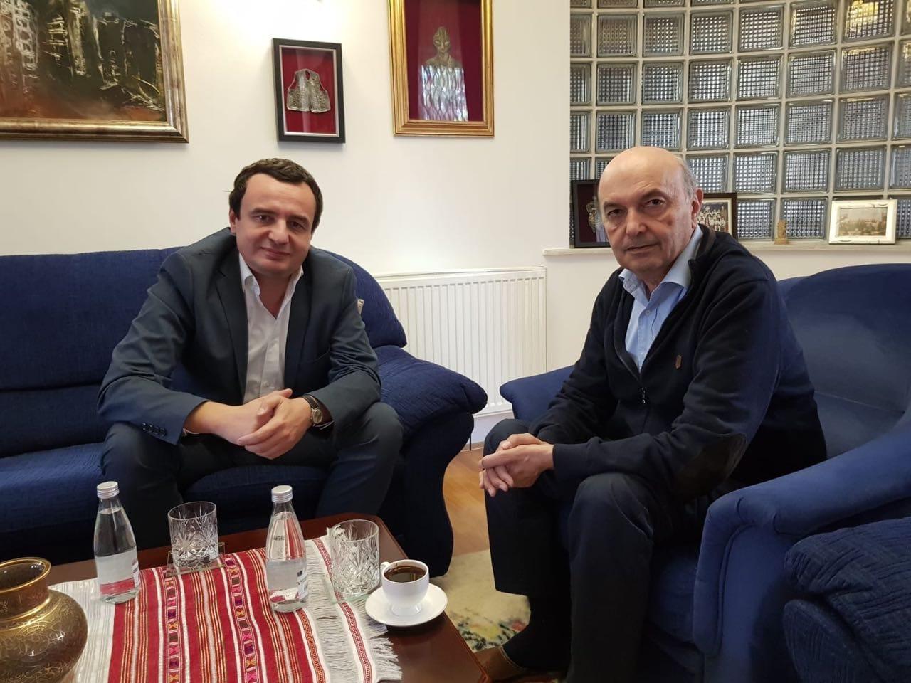 Albin Kurti shkon në shtëpi te Isa Mustafa, çfarë diskutuan