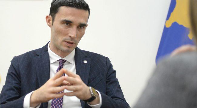 Shala për taksën: Qeveria t'i dëgjojë me vëmendje kërkesat e SHBA-ve