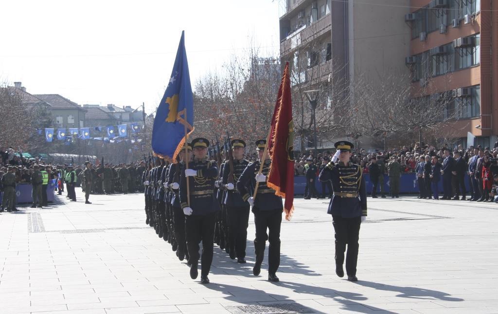 Emocionuese: Parakalimi i Ushtrisë së Kosovës në 11 vjetorin e Pavarësisë (FOTO)