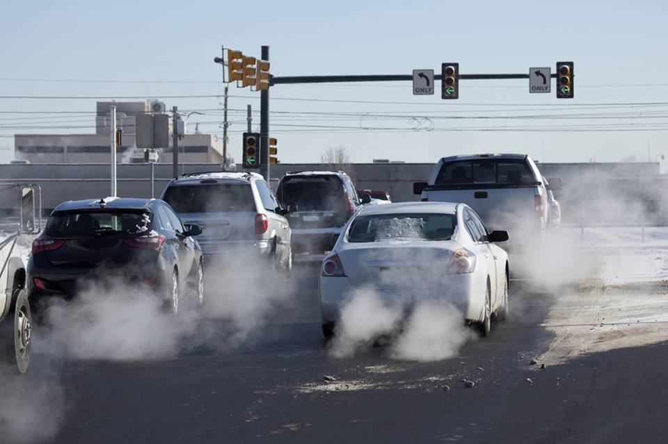 Ashtu si shkarkimet e gazrave ndotëse janë edhe pluhuri i gomave dhe frenave