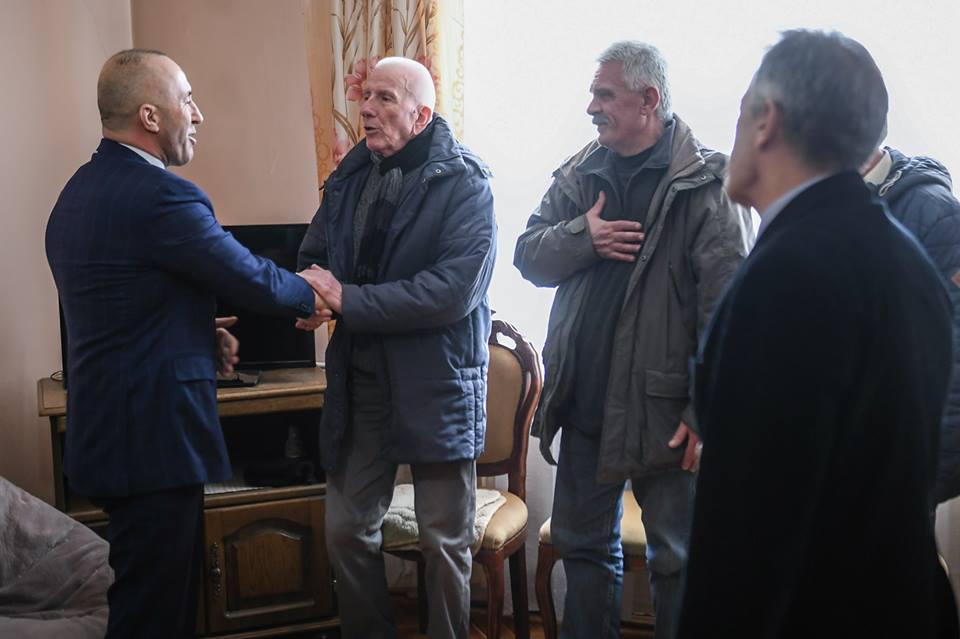 Haradinaj ngushëllon familjen e akademikut Idriz Ajeti