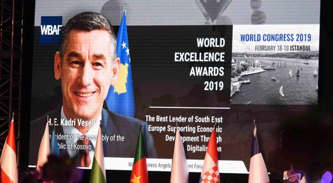 """Veseli nderohet me çmimin """"Udhëheqësi më i mirë i Evropës Juglindore që mbështetë zhvillimin ekonomik përmes digjitalizimit"""""""