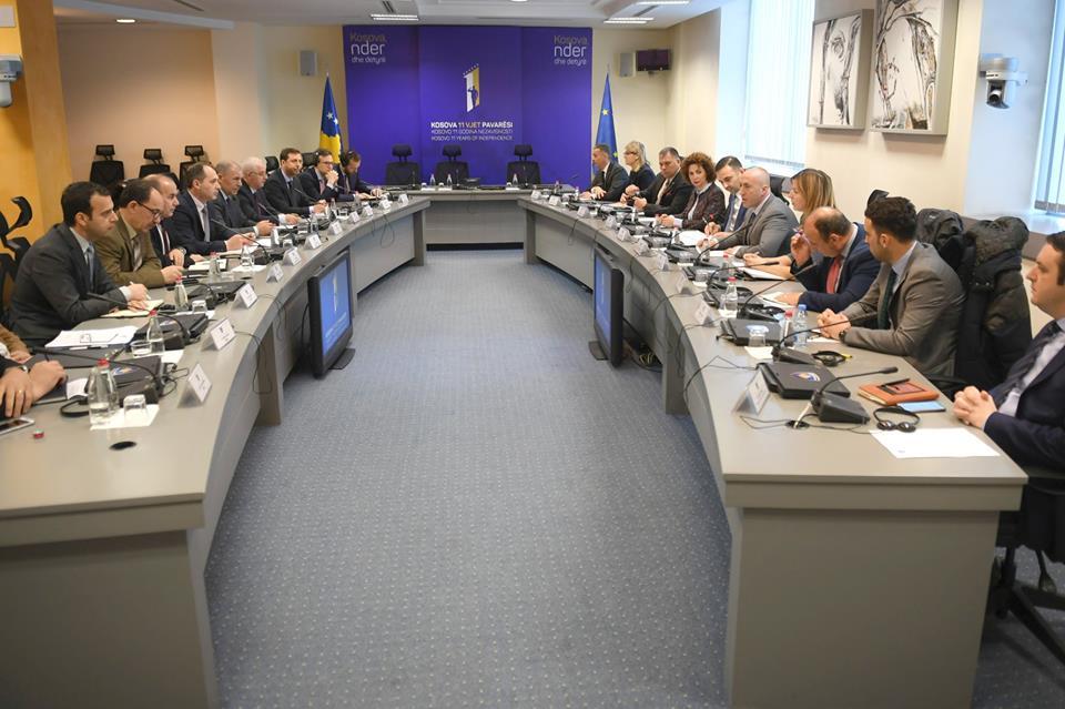 Haradinaj takohet me përfaqësues të BERZh, KOSTT dhe ZRRE-së, kjo është arsyeja
