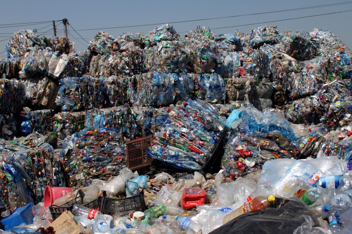 Zbulohet mënyra për shndërrimin e plastikës në karburant