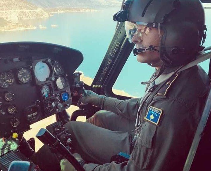 Pilotit të parë të FSK-së po i mungon helikopteri