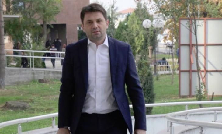 Të burgosurit shqiptarë i rrahin dy ish ministrat e Gruevskit