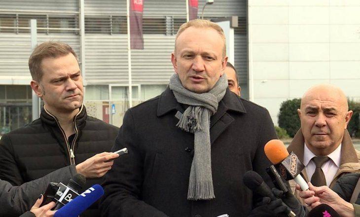 Gillas: Vuçiqi po vjedh prej qytetarëve