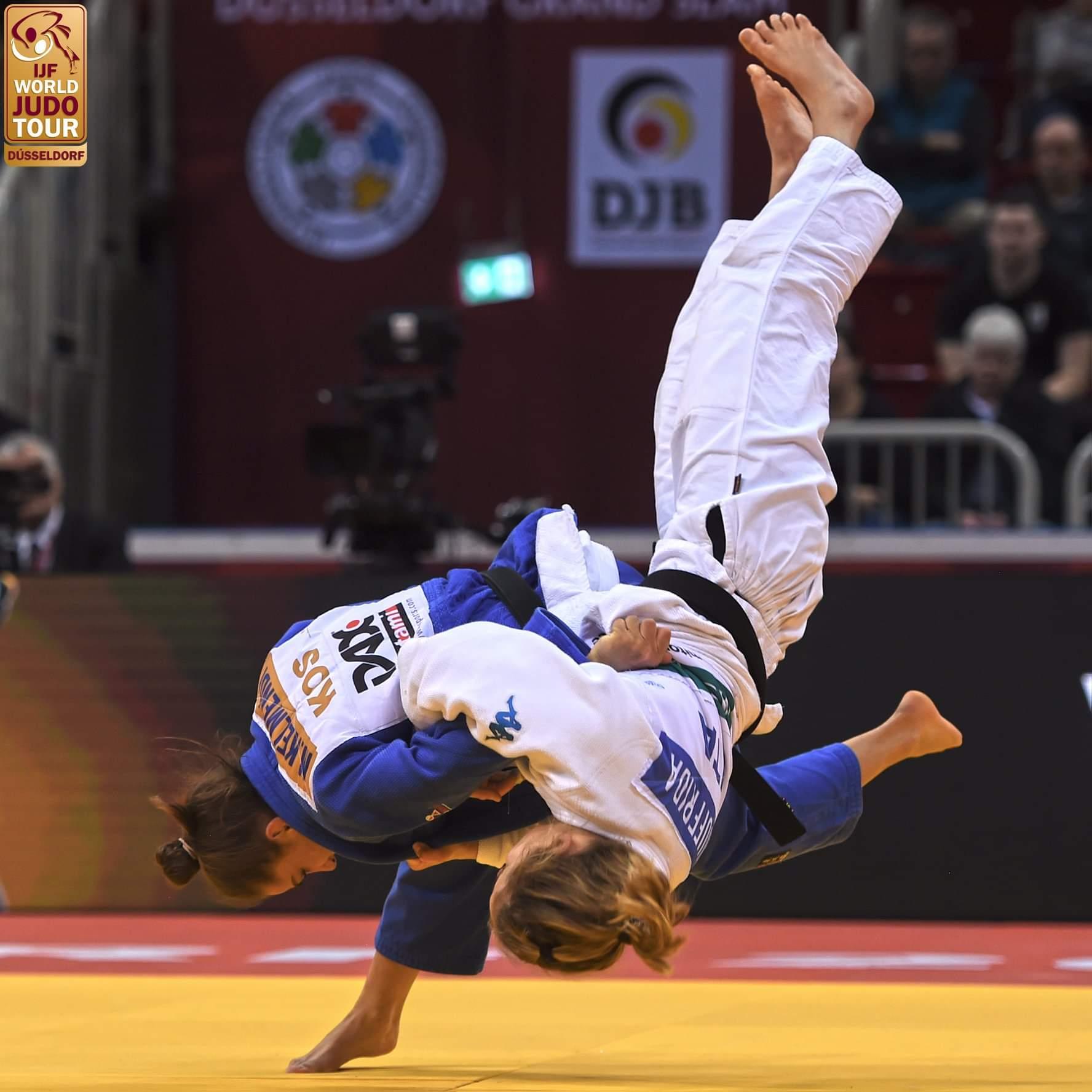 Majlinda 'pushton' edhe Dyseldorfin, fiton medaljen e artë