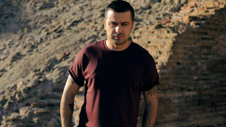 Genc Prelvukaj paralajmëron këngën e re