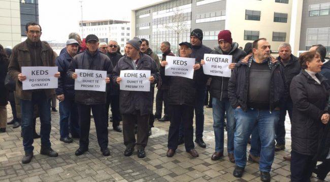 Vazhdojnë protestat në Prishtinë