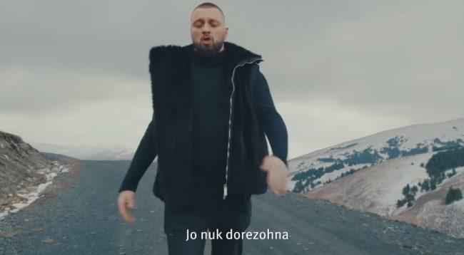 """Majk publikon këngën e tij më të re """"Nuk dorëzona"""""""