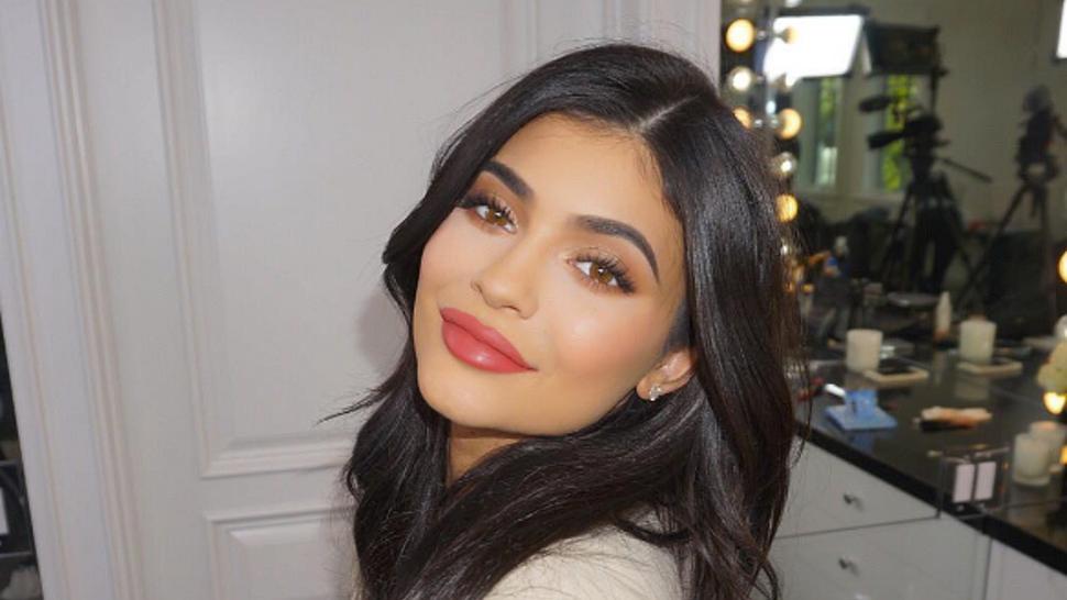 Kylie Jenner shfaqet me poza tërheqëse