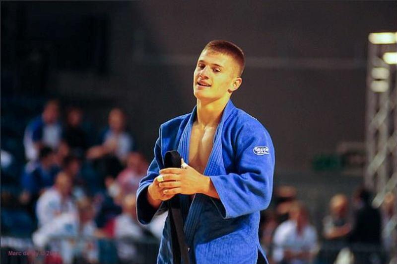 Akil Gjakova i bashkohet Distria Krasniqit, e fillon mbarë Grand Slamin