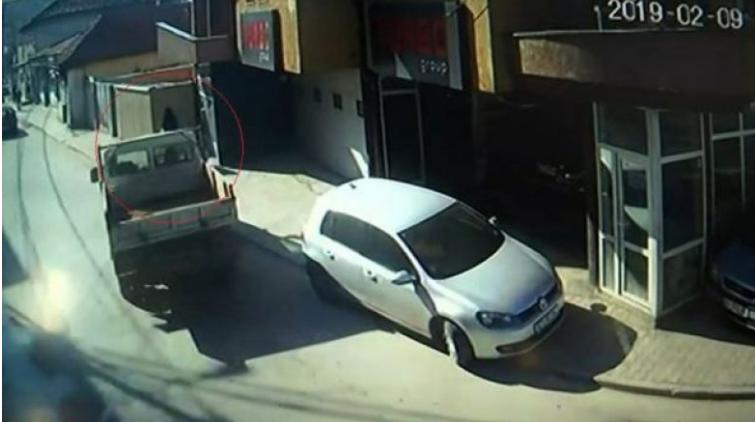 Godet tre këmbësorë, arrestohet një shofere në Lipjan