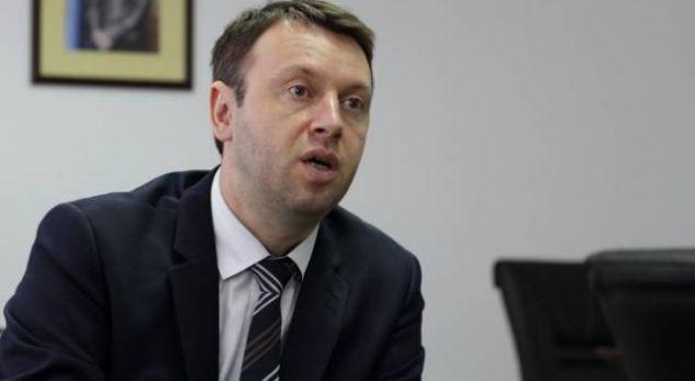 Abrashi me akuza të mëdha për Shpend Ahmetin