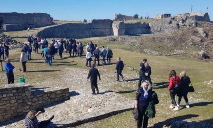 Qyteti i Vlorës mbushet me turistë nga Kosova në këtë vikend