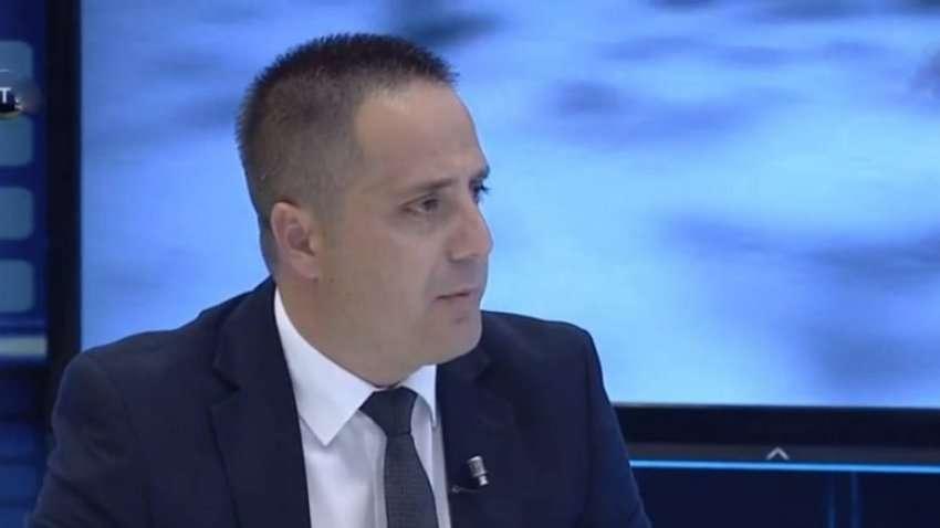 Selmanaj thotë se policia iu nënshtrua AKI-së në rastin e gylenistëve