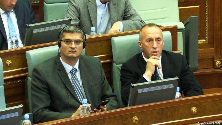 Haradinaj shkarkon nga detyra ministrin serb