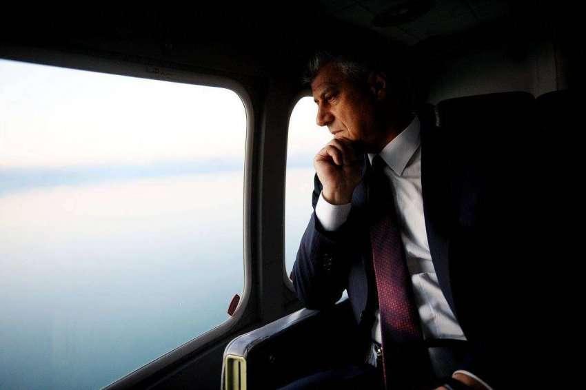 Thaçi udhëtoi për Bruksel, takon presidentin Tusk dhe komisionerin Hahn