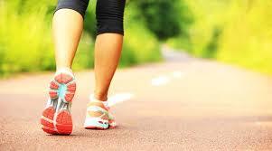 Këto janë dobitë shëndetësore nga ecja