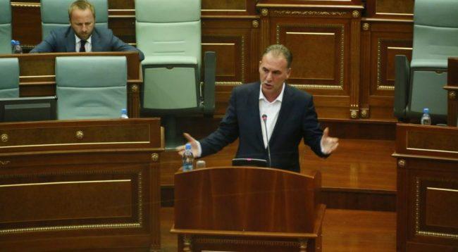 Limaj-deputetëve: Votojeni Projektligjin, dialogun me Serbinë do të kthejmë në binarë