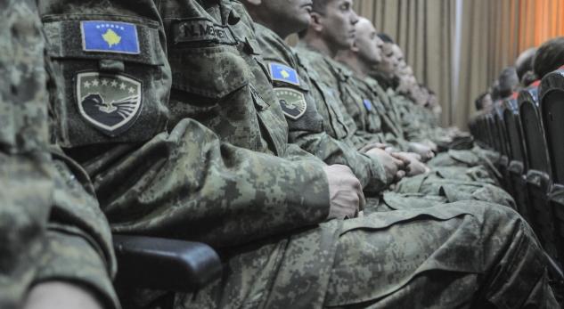 Haradinaj qorton komandantin e FSK-së: Nëse nuk mund ta udhëheqësh Ushtrinë, lësho vend