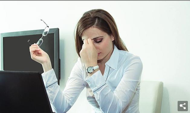 Gratë që pununojnë me orar të zgjatur mund të bien në depresion, por kjo nuk vlen edhe për burrat