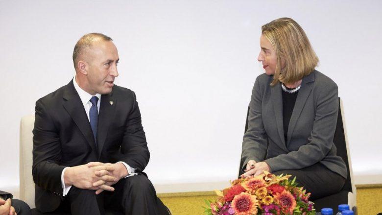 BE tregon se si mund të zhbllokohet dialogu Kosovë-Serbi