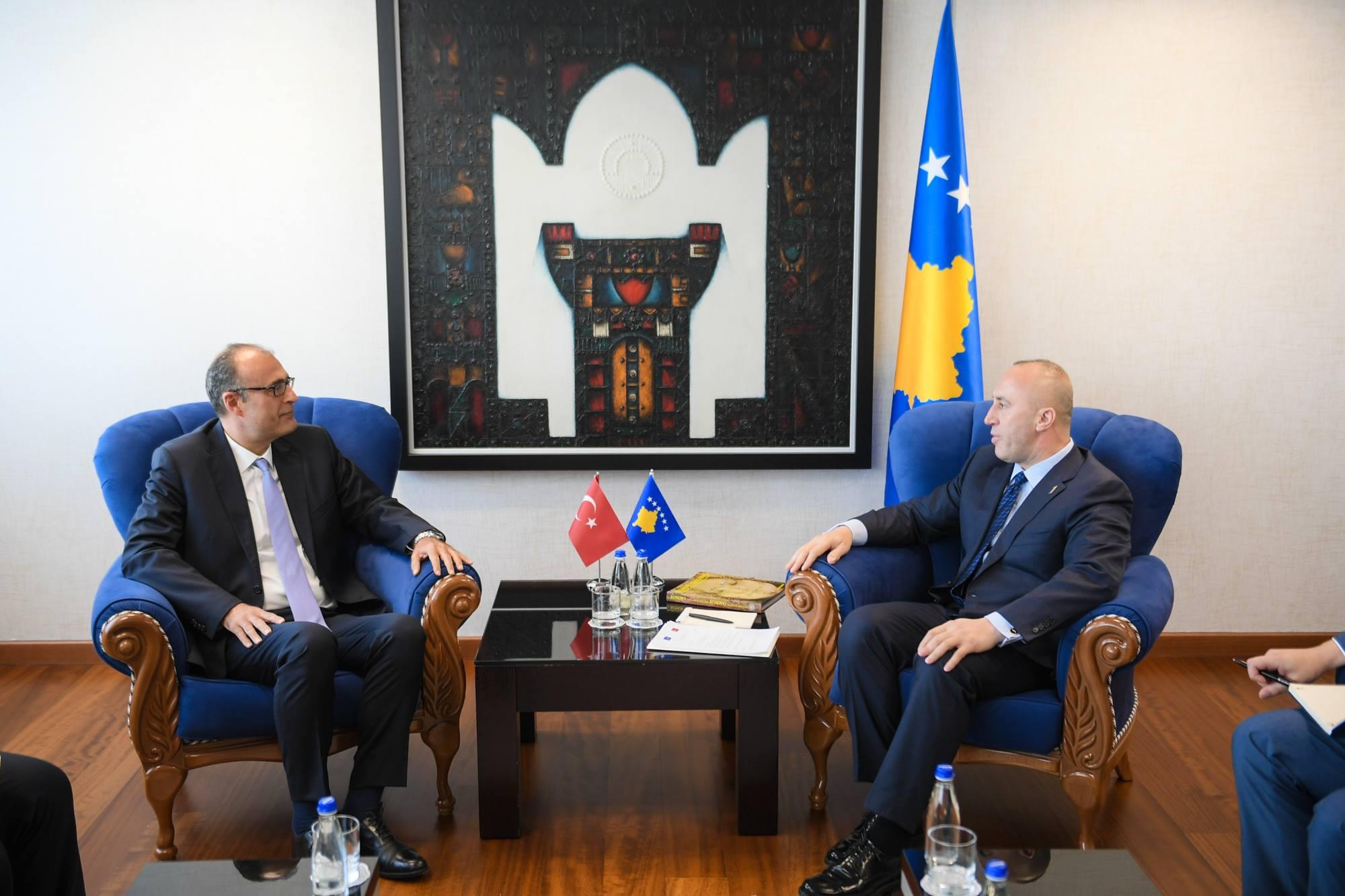 Haradinaj pret në zyrë ambasadorin e Turqisë, Sakar